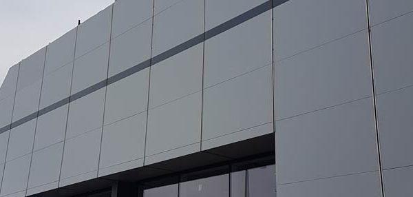 exterior cladding airless paint spraying